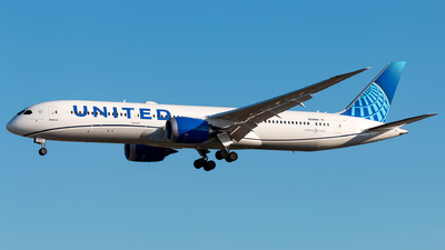 A picture of N29984 - Boeing 7879 Dreamliner - United Airlines - © Andre M.