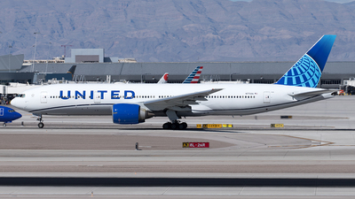 A picture of N77006 - Boeing 777224(ER) - United Airlines - © Yixin Chen