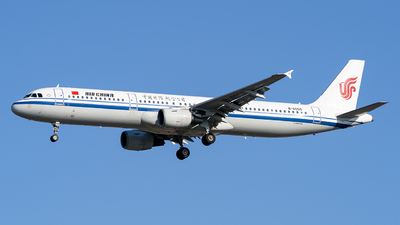 A picture of B6555 - Airbus A321213 - Air China - © Li Youyang