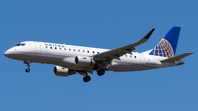 A picture of N729YX - Embraer E175LR - United Airlines - © Evan Dougherty