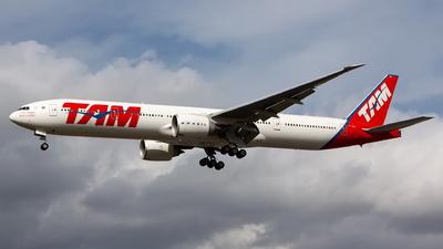 PT-MUD - Boeing 777-32WER - TAM Linhas Aéreas