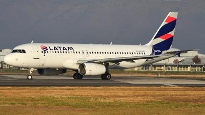 CC-COL - Airbus A320-233 - LATAM Airlines