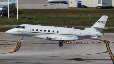 N2S - Gulfstream G200 - Private