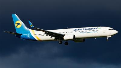 A picture of URPSJ - Boeing 7379KV(ER) - Ukraine Int. Airlines - © Paul Kalbitz