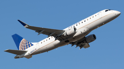 A picture of N86322 - Embraer E175LR - United Airlines - © Shattuck Bell