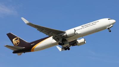 A picture of N359UP - Boeing 76734AF(ER) - UPS Airlines - © Harley Guo