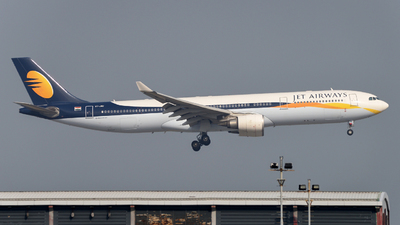 VT-JWU - Airbus A330-302 - Jet Airways