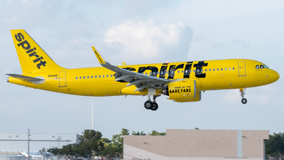 A picture of N915NK - Airbus A320271N - Spirit Airlines - © Pat Leinweber