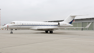 M-HAWK - Bombardier BD-700-1A10 Global 6000 - Private