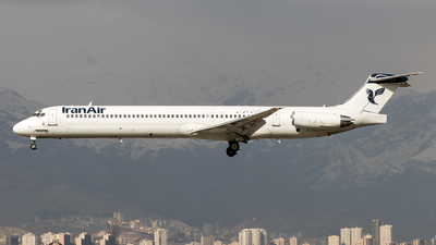 UR-CHW - McDonnell Douglas MD-82 - Iran Air
