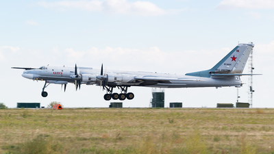 RF-94125 - Tupolev Tu-95MS Bear-H - Russia - Air Force