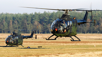 87-11 - MBB Bo105P1 - Germany - Army