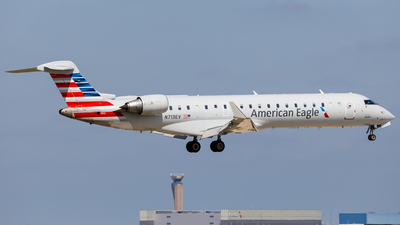 N713EV - Bombardier CRJ-701ER - American Eagle (SkyWest Airlines)