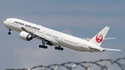A picture of JA739J - Boeing 777346(ER) - Japan Airlines - © Haocheng Fang