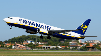 A picture of EIEKW - Boeing 7378AS - Ryanair - © Rui Marques