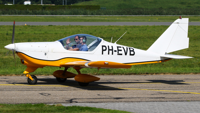 A picture of PHEVB - Aero AT3 R100 - [AT3057] - © C. v. Grinsven
