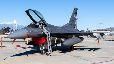 88-0477 - General Dynamics F-16CM Fighting Falcon - United States - US Air Force (USAF)