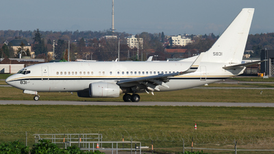 165831 - Boeing C-40A Clipper - United States - US Navy (USN)