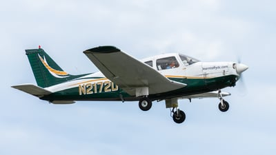 A picture of N2172D - Piper PA28161 - [287916147] - © Peter Weiland