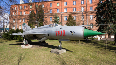 7810 - Mikoyan-Gurevich MiG-21PFM Fishbed - Poland - Air Force