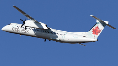 A picture of CGJZG - De Havilland Canada Dash 8400 - Air Canada - © Mike MacKinnon