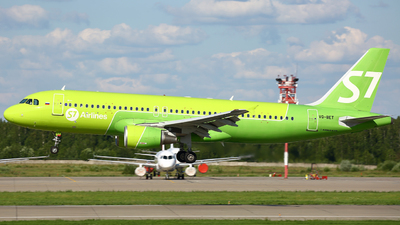 A picture of VQBET - Airbus A320214 - S7 Airlines - © FlyPete