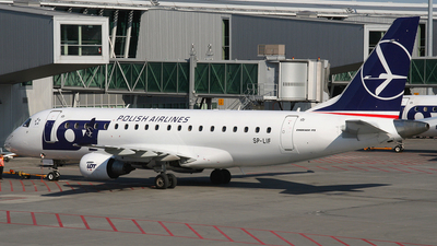 SP-LIF - Embraer 170-200LR - LOT Polish Airlines