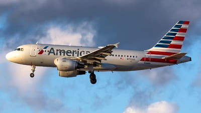 A picture of N752US - Airbus A319112 - American Airlines - © Kevin Cargo