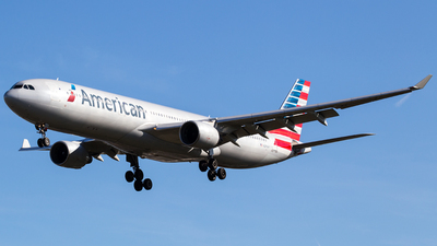 N271AY - Airbus A330-323 - American Airlines