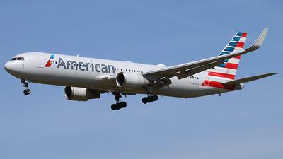 N391AA - Boeing 767-323(ER) - American Airlines