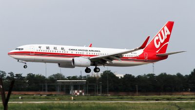 B-1312 - Boeing 737-89P - China United Airlines