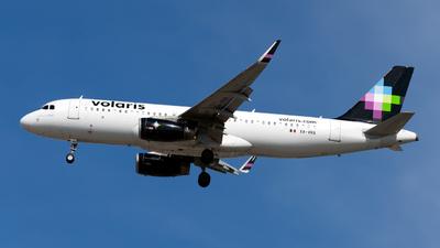 XA-VRA - Airbus A320-233 - Volaris