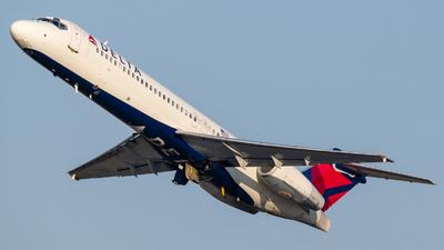 N977AT - Boeing 717-2BD - Delta Air Lines