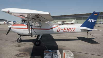 D-EHOZ - Reims-Cessna F152 - FFH Flight Training