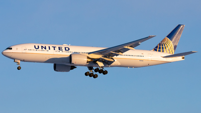A picture of N212UA - Boeing 777222 - United Airlines - © Michael Place