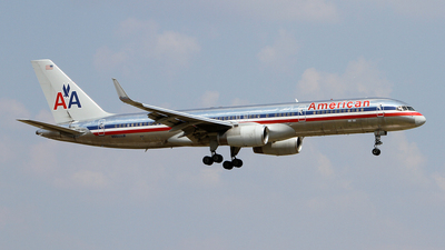 N660AM - Boeing 757-223 - American Airlines