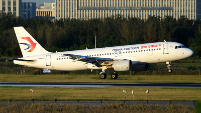B-6011 - Airbus A320-214 - China Eastern Airlines