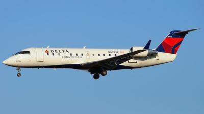 A picture of N8972E - Mitsubishi CRJ200LR - [7972] - © Thomas Yin