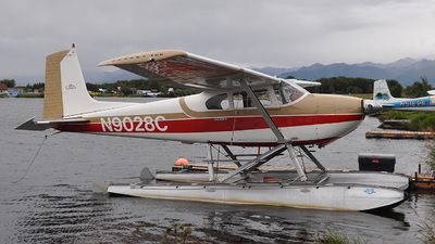 N9028C - Cessna 180 Skywagon - Private