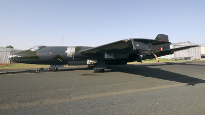 VH-ZSQ - English Electric Canberra TT.18 - Temora Aviation Museum