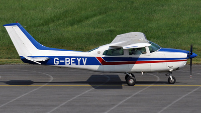 A picture of GBEYV - Cessna T210M Turbo Centurion - [21061583] - © bruno muthelet