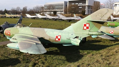 105 - PZL-Mielec Lim-6R  - Poland - Air Force