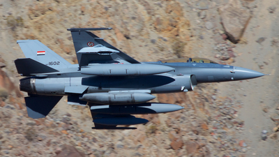 1602 - Lockheed Martin F-16D Fighting Falcon - Iraq - Air Force