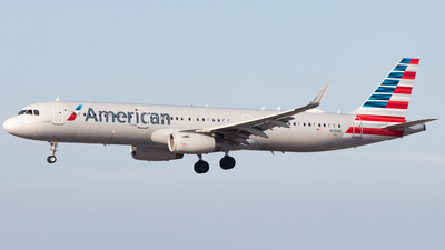 A picture of N118NN - Airbus A321231 - American Airlines - © Davin Amy