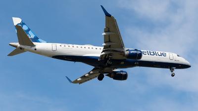A picture of N187JB - Embraer E190AR - JetBlue Airways - © Luis Bastardo