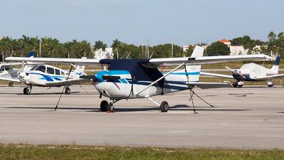 A picture of N3429E - Cessna 172N Skyhawk - [17271545] - © Kas van Zonneveld