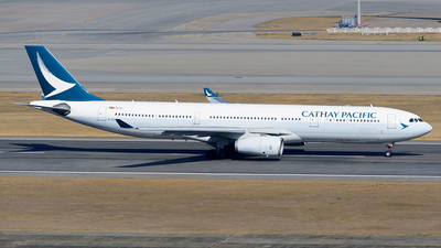 A picture of BHLH - Airbus A330342 - Cathay Pacific - © Jeffrey.W