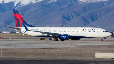 A picture of N895DN - Boeing 737932(ER) - Delta Air Lines - © Micah Vobora