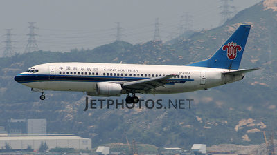 B-2582 - Boeing 737-31B - China Southern Airlines