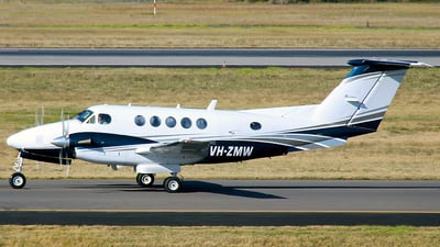 A picture of VHZMW - Beech B200 Super King Air - [BB1460] - © Robbie Mathieson